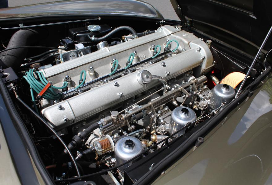 Aston Martin DB6 engine