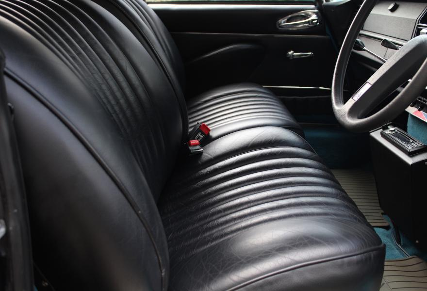Citroen DS23 Pallas front seats