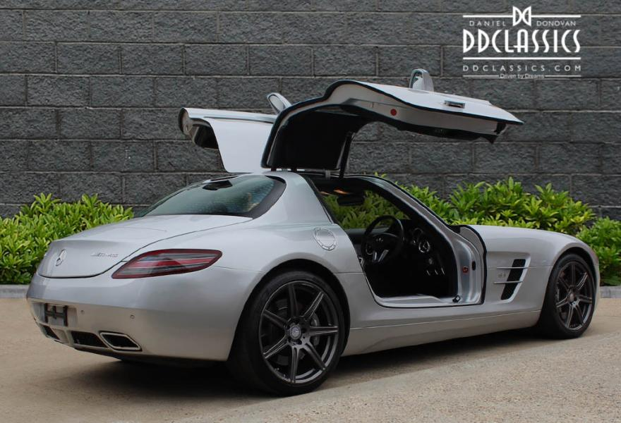 Mercedes benz sls amg coupe rhd for Mercedes benz sls price