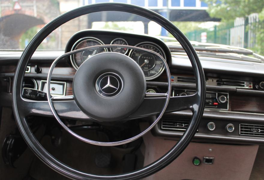 Mercedes 300 SL steering wheel