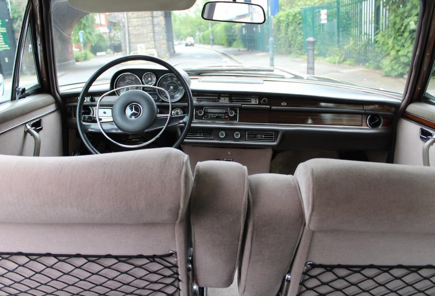 Mercedes 300 SL interior