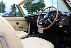 DB6 Aston Martin interior