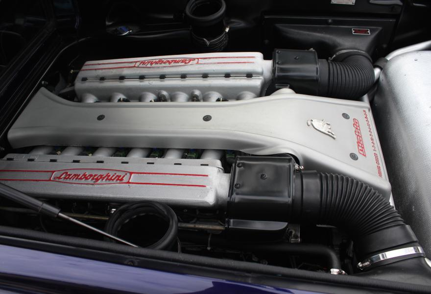 Lamborghini SV engine