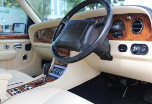 Bentley-Turbo-RT-front-seats