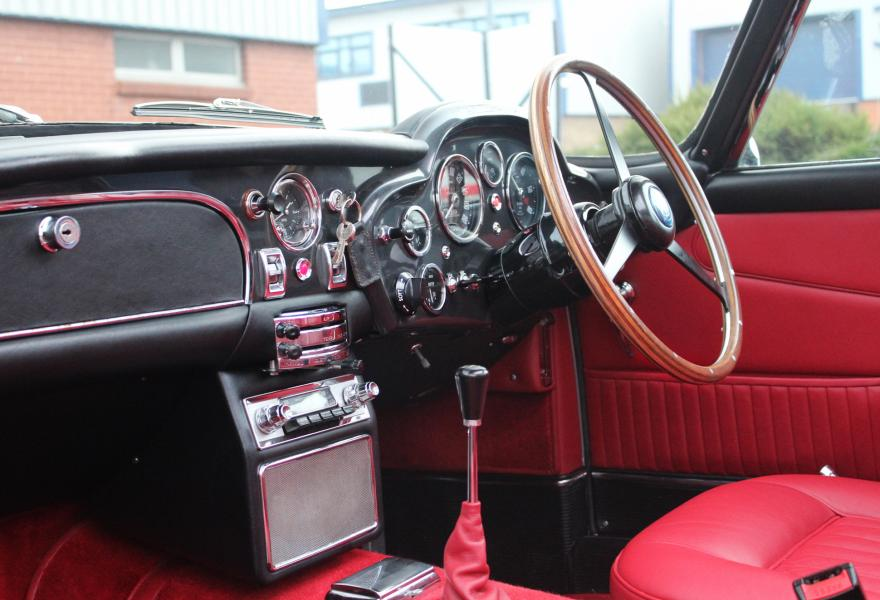 aston martin db5 dashboard