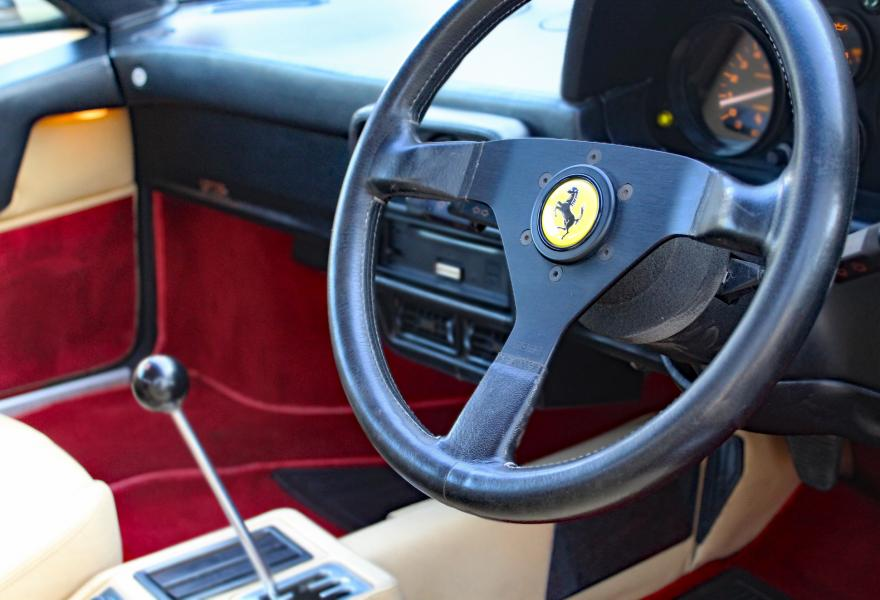 ferrari 328 gtb steering wheel picture