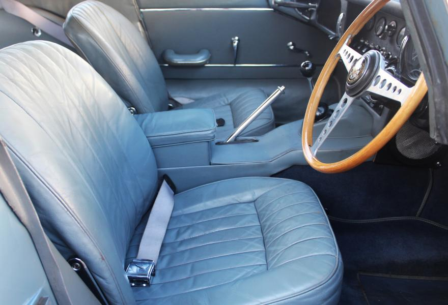 jaguar e-type rhd interior