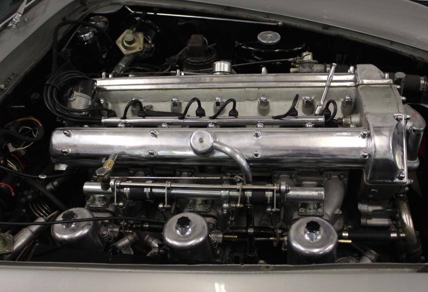 Aston Martin DB5 engine