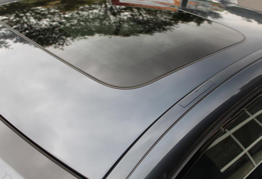 BMW M5 electric sunroof