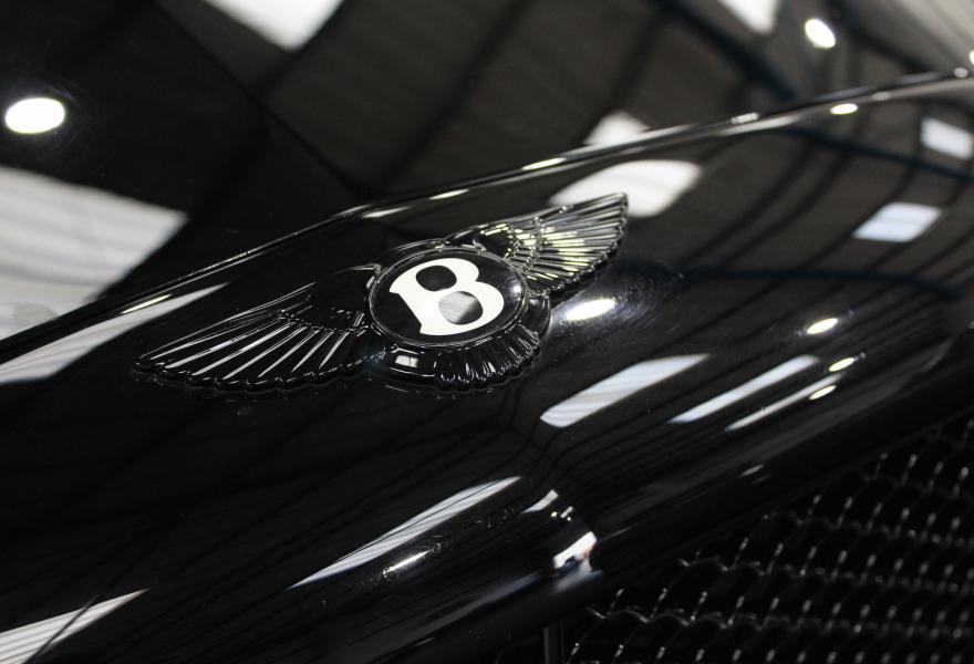 black bentley wings