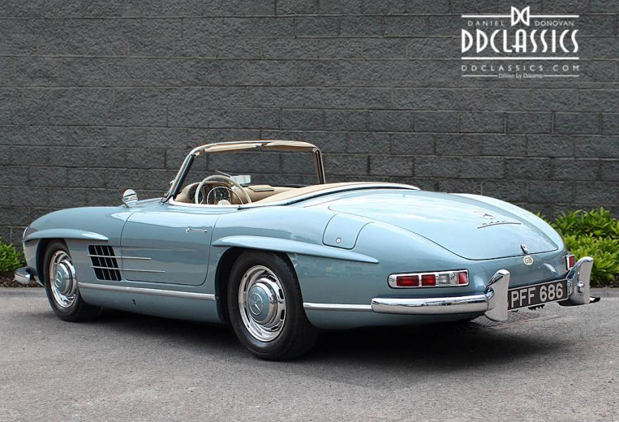 1960 Mercedes 300 SL Roadster (LHD) for sale in London