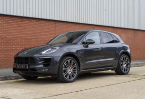 2017 Porsche Macan Turbo Performance Package (RHD)